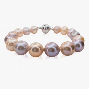 Luxuriöses Armband aus naturfarbenen Edison-Perlen