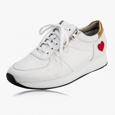 Modischer Sneaker mit Herz-Detail